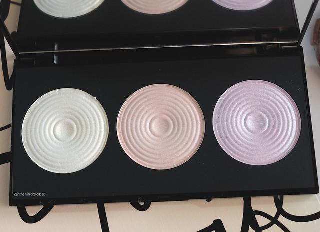 Makeup Revolution Highlight Palette3