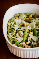 Asparagus with Sweet Onions, Garbanzo Beans, and M…