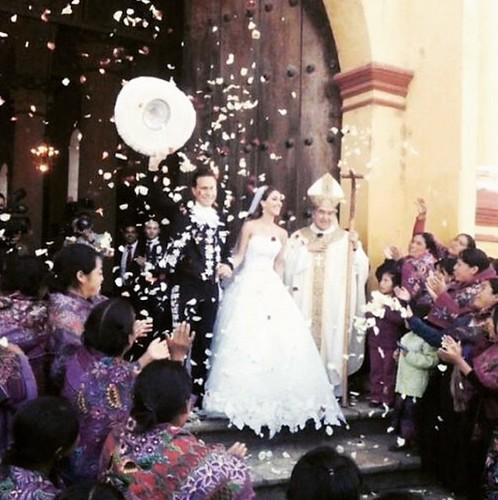 La boda de Velasco y Anahí fue sorpresa para evitar posibles protestas: Obispo Arizmendi