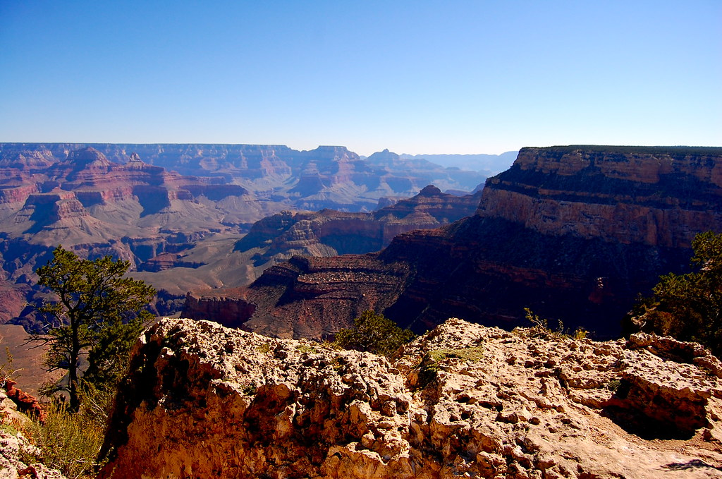 Walking the southern rim of the Grand Canyon