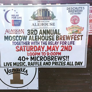 As luck would have it, my trip coincided with @moscowalehouse 3rd Annual Brewfest. Of course, I was late and they were already out of the souvenir glassware but the turn out was impressive. Lots of beer on hand! #brewfest #idaho