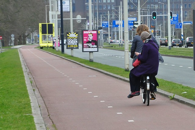 Rotterdam - Never alone on my bike