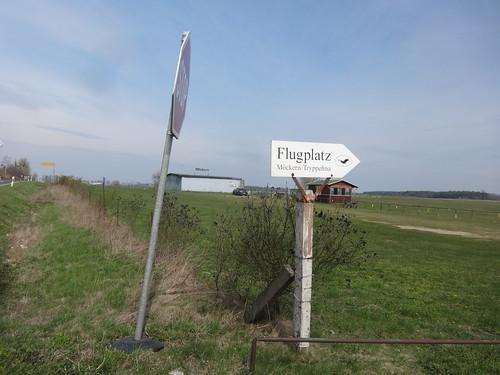 Möckern UL-Flugplatz Tryppehna Graspiste 17/35 870mLx25mB an B246a nördlich 39291