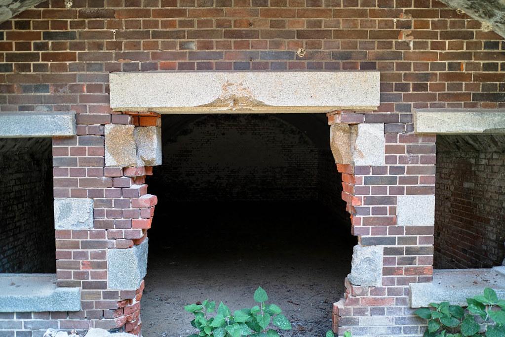 イギリス積みの煉瓦構造物