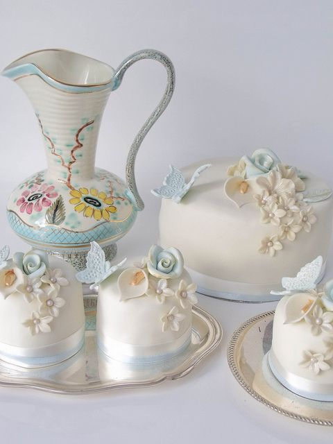 Vintage Ivory and Blue with Golden Accents Photo by Cakes by Tessa on Flickr