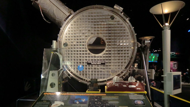 Washington D.C.: NASM, Hubble Space Telescope 2.4m Backup-Primary Mirror - exhibited in National Air- & Space Museum