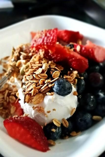 Granola/Yogurt Parfait