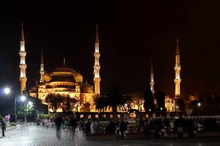 תמונה של The Blue Mosque ליד Eminönü. city november autumn turkey istanbul mosque осень город thebluemosque мечеть турция ноябрь 2013 sultanahmedmosque стамбул голубаямечеть мечетьсултанахмет