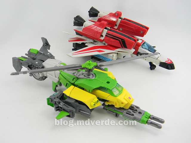 Transformers Springer Voyager - Generations - modo helicóptero vs Jetfire