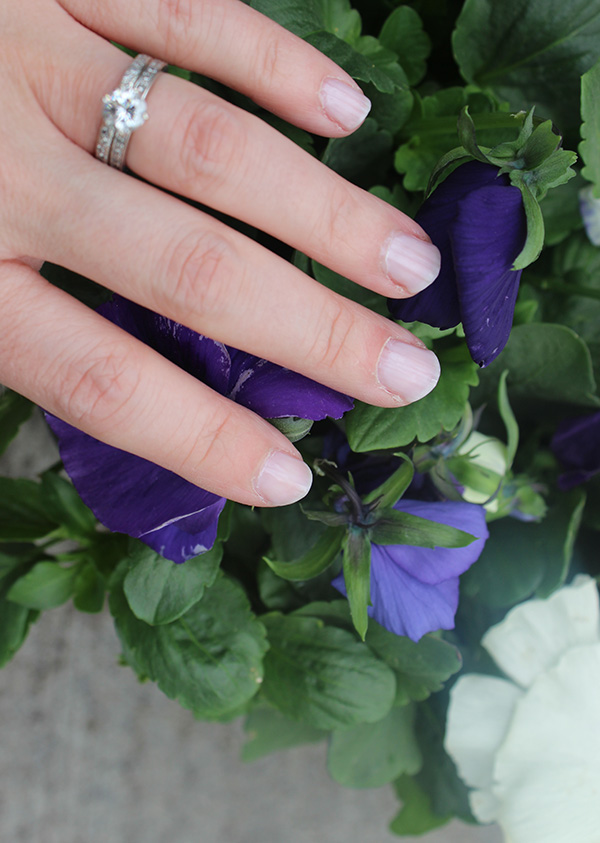 nails-pansies