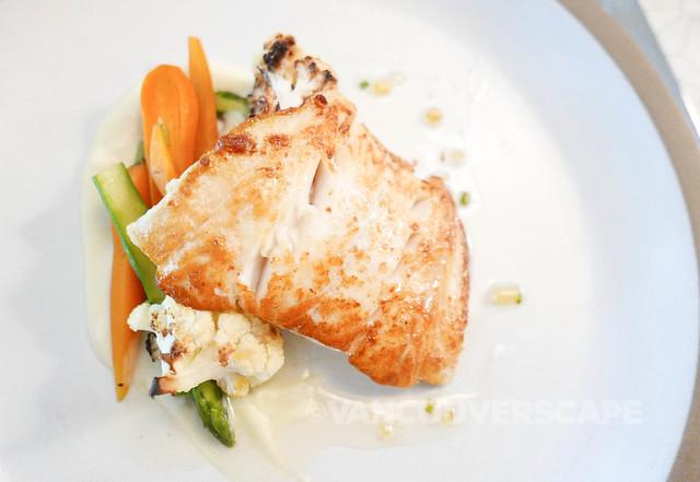 ORU Lingcod, roasted cauliflower, carrot, asparagus, lemon-chive gastrique