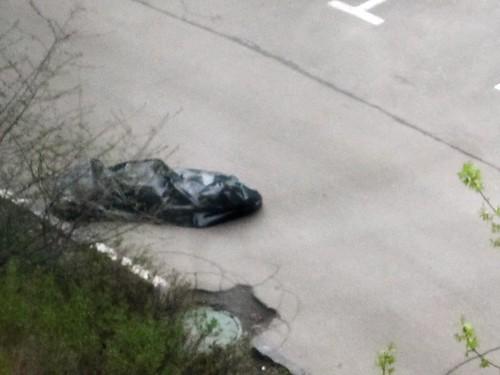 Тело сотрудника изолятора временного содержания с кровоподтеками на шее обнаружили в Химках