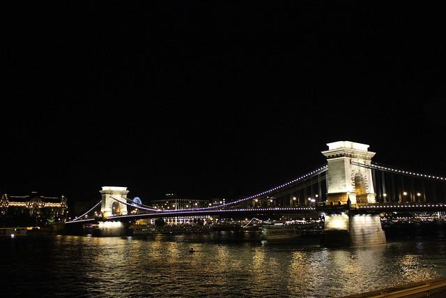 Kettenbrücke (Széchenyi lánchíd)