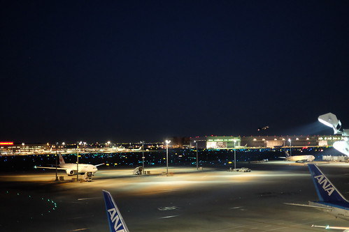 night aviation lights Haneda Tokyo International Airport 34