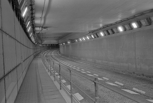 Tunnel with f2