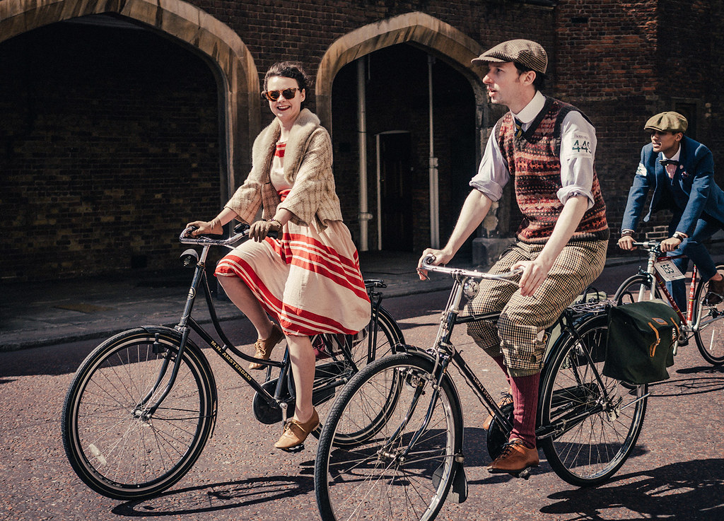 Tweed Run on Route