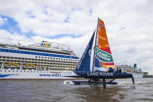 2015-05-08 Land Rover Extreme Sailings Series - Hamburg Port Anniversary (_MG_7564)