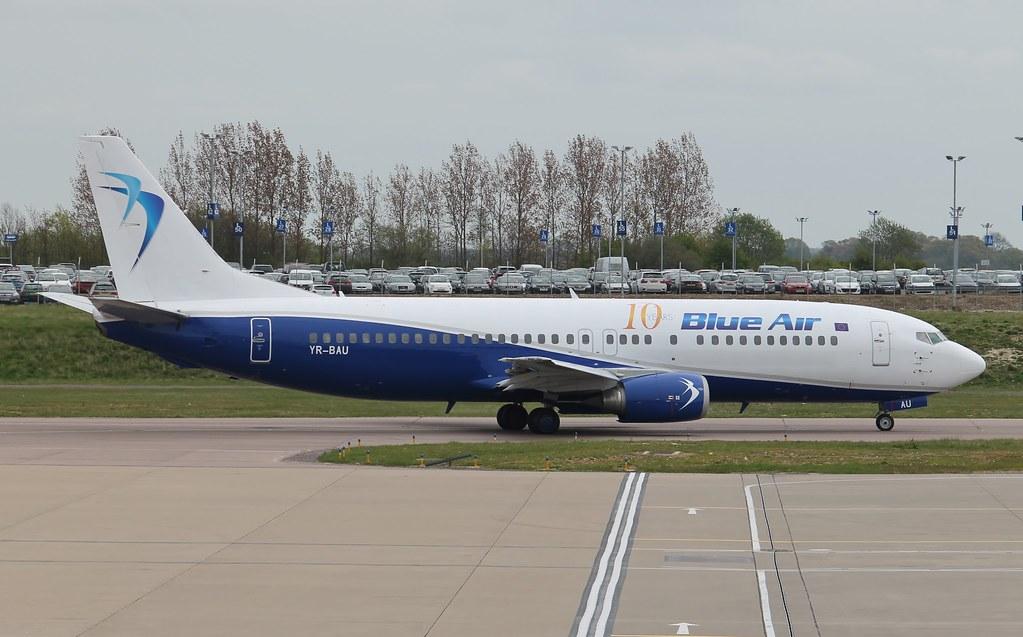 YR-BAU - B734 - Blue Air