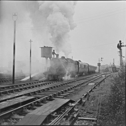 ireland water steam rails locomotive uta steamtrain dundalk no8 leinster cie refilling colouth nationallibraryofireland dundalkrailwaystation jamespo'dea o'deaphotographiccollection 31stoctober1964 irishrailwaypreservationsociety 29thoctober1966 classwt264