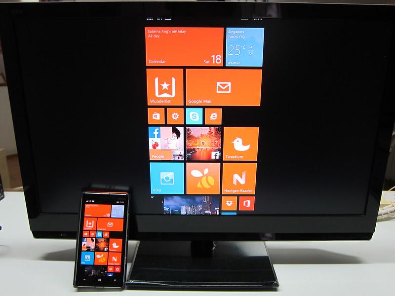 Microsoft Wireless Display Adapter - Using Lumia 930