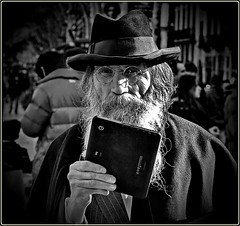 Old gentleman & new technology