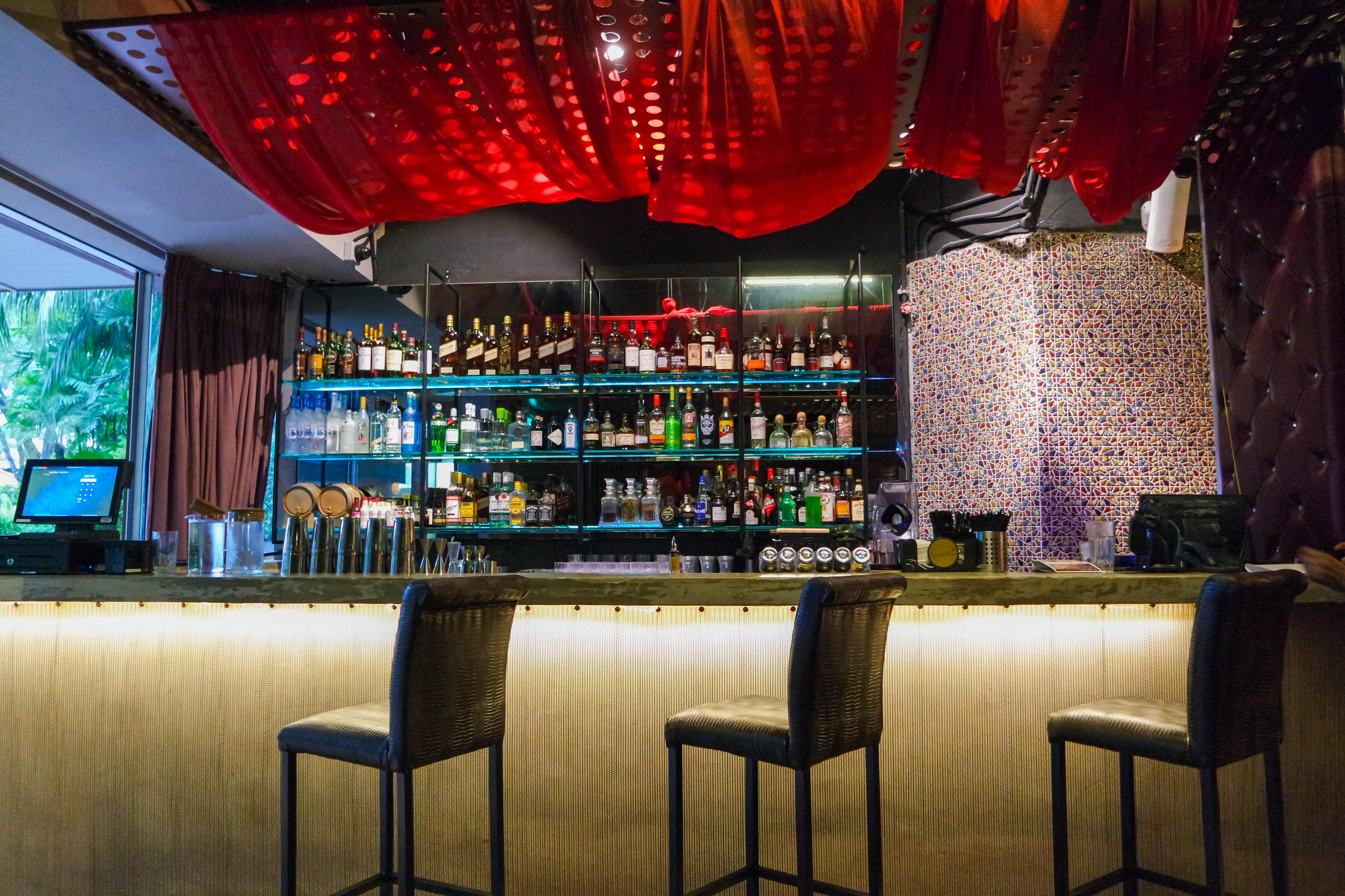 Aryaa-restaurant-4694