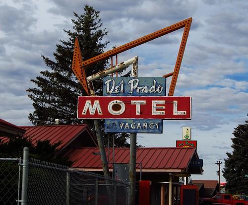 newmexico sign neon cuba motel roadtrip neonsign delpradomotel fadingamerica