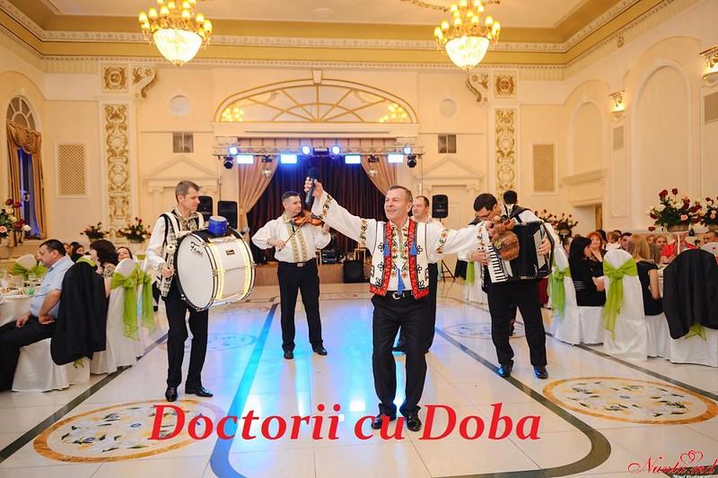 Formatia DATINA - Doctorii cu Doba