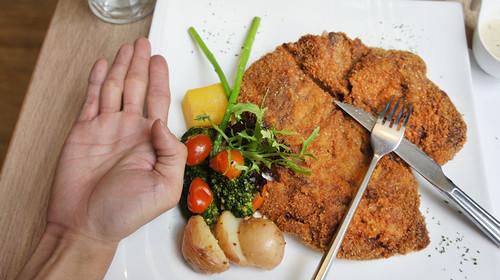 高雄排排饡排排讚!米蘭炸牛排在台灣也吃得到-米蘭炸牛排比較圖