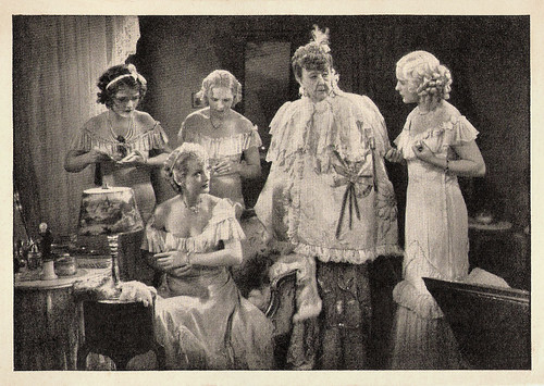 Adele Sandrock in Der Letzte Walzer (1934)
