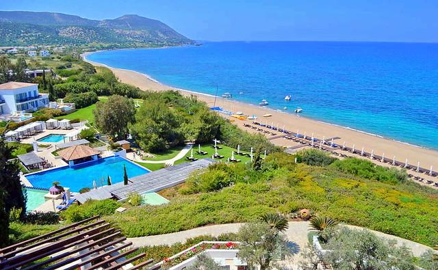 Пляж возле отеля Анасса. Кипр. Пляжи Кипра а районе городе Полис