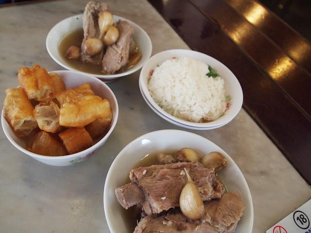 P4189230 松發肉骨茶(SONGFA BAK KUH TEH) バクテー シンガポール