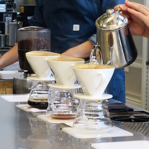一杯ずつ淹れます。 #ブルーボトルコーヒー
