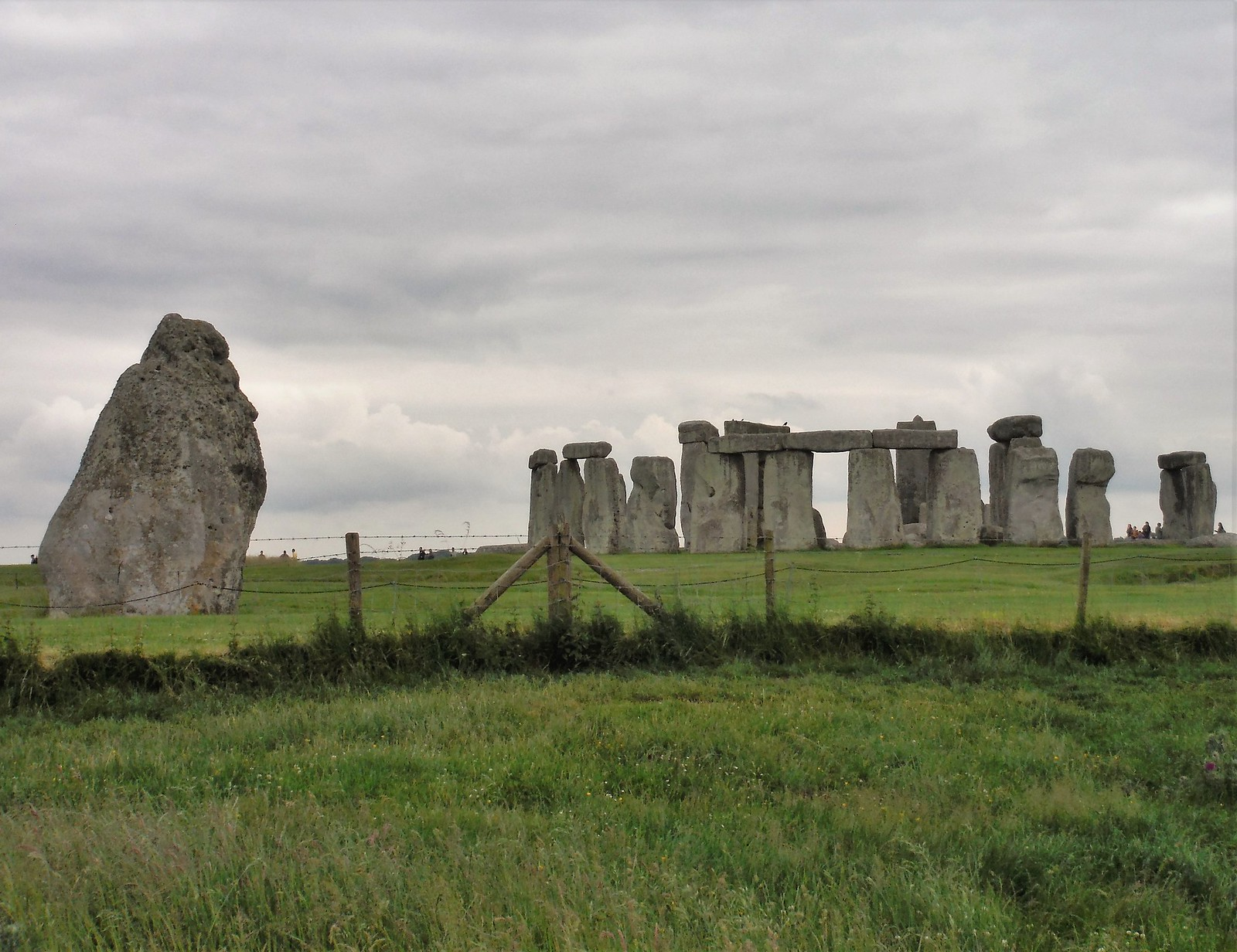 Stonehenge from footpath along northerly side SWC 67 Salisbury to Amesbury (via Stonehenge)