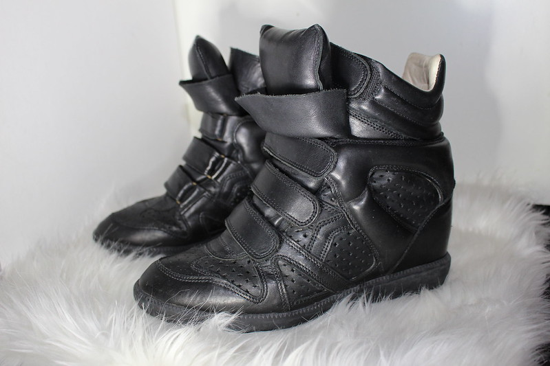 isabel marant, sneakerwedges, wedge sneakers, brian, perforated leather, bekett, bekkett, fashion, style, haul, how to style. all black, isabel marant etoile, punched over basket