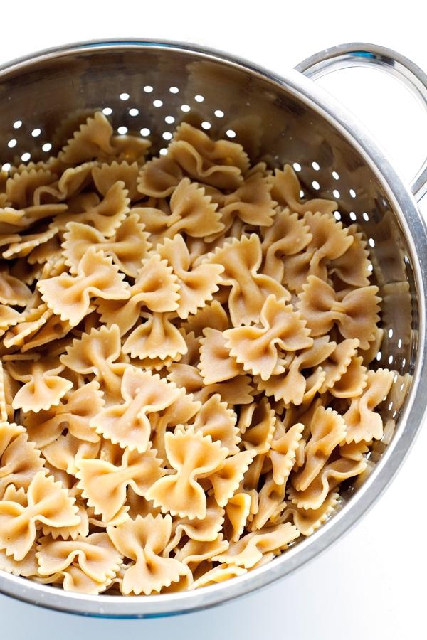 Arugula Pasta Salad - The Easiest Salad you'll ever make. Plus it uses up all those leftovers in the fridge! #pastasalad #leftovers #pasta | Littlespicejar.com
