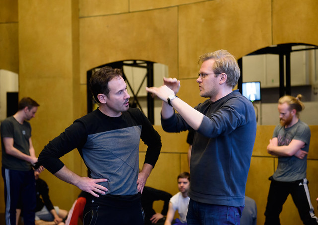 Mariusz Kwiecień in the title role and director Kasper Holten in rehearsal for Król Roger, The Royal Opera © 2015 ROH. Photograph by Bill Cooper