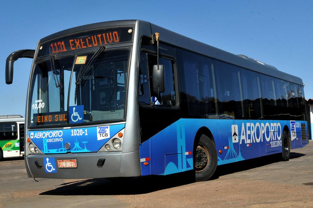 Ônibus executivos do aeroporto ganham nova identidade visual