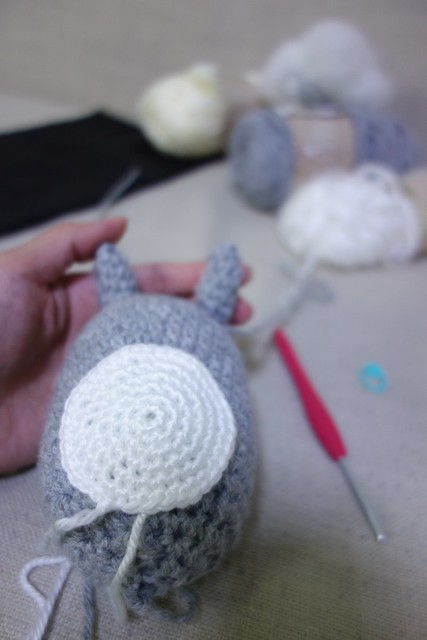My Totoro is almost done! The fastest amigurumi that I have done thus far. Only left the stitching and embellishments.