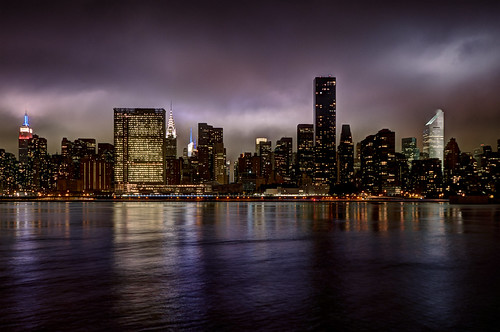 nyc newyorkcity longexposure reflection skyline night river cityscape un esb unitednations eastriver bankofamerica empirestatebuilding chryslerbuilding hdr cloudscape skyscaper gettyimages mudpig stevenkelley licensenow