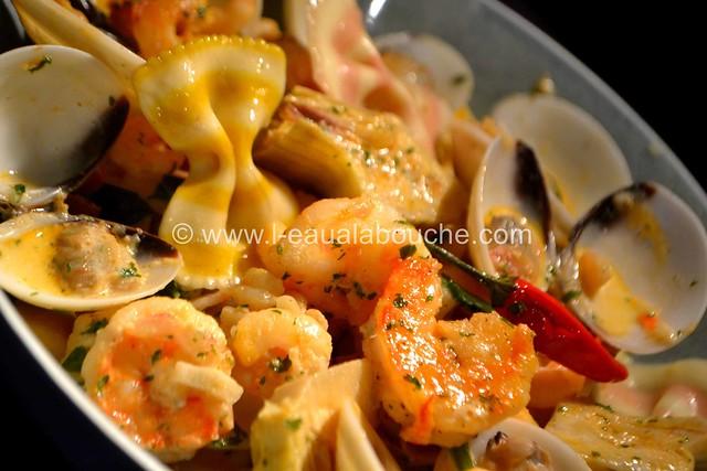 Cassolette de Crevettes et Coquillages ©  Ana Luthi Tous droits réservés 00015