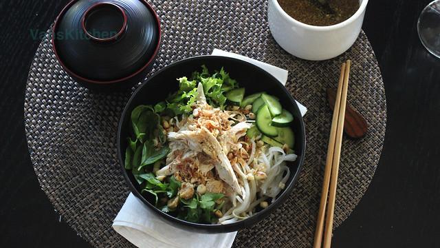 Phở trộn Hà Nội - Vietnamese chicken noodle salad