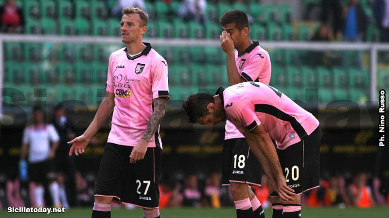 Palermo, Vazquez-gol e Cagliari in Serie B$