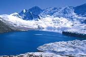 Lodge-Trekking Nepal,  Rund um Annapurna, Gletschersee Tilicho Lake auf 5000 m. Foto: Günther Härter.