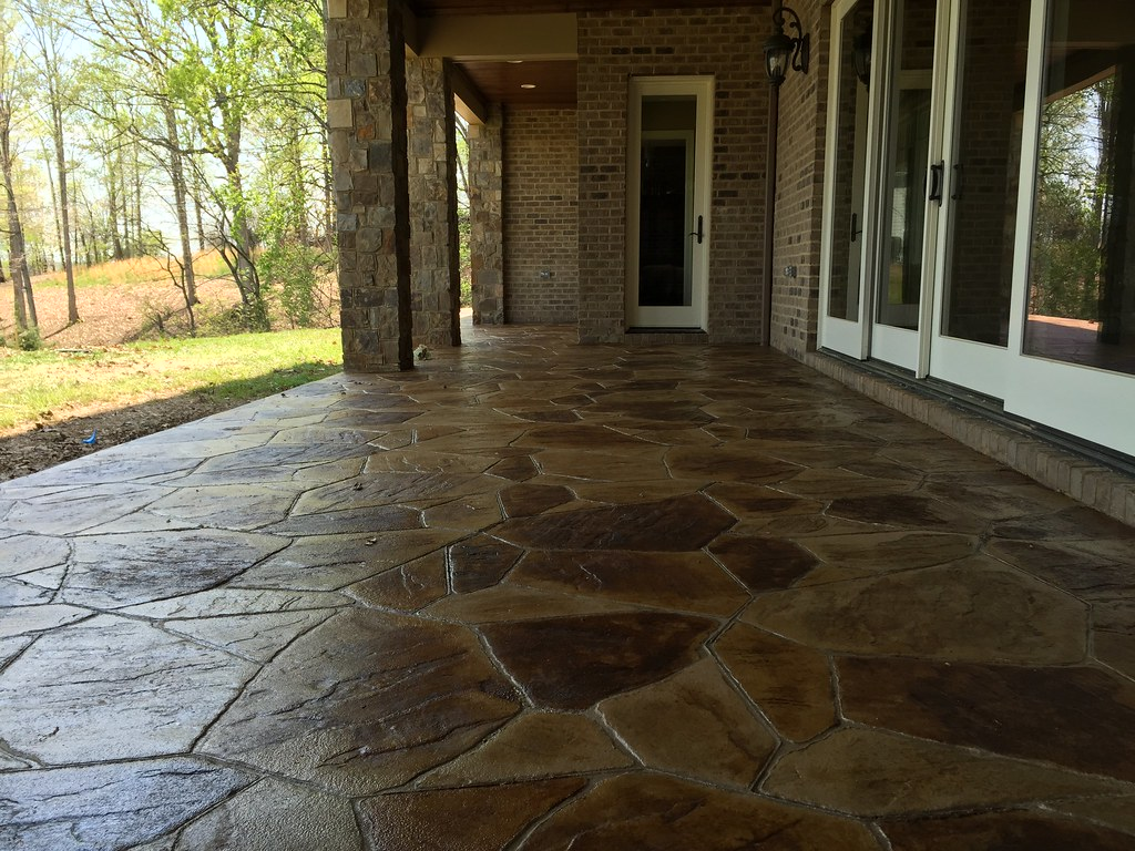 Stamped And Stained Concrete Driveway Patio Amp Sidewalk At