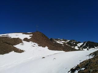 Nur noch wenige Meter zum Gipfel des Kor