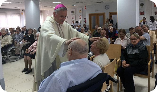 Los mayores de la residencia marista de Cartagena ganan el Jubileo de la Misericordia