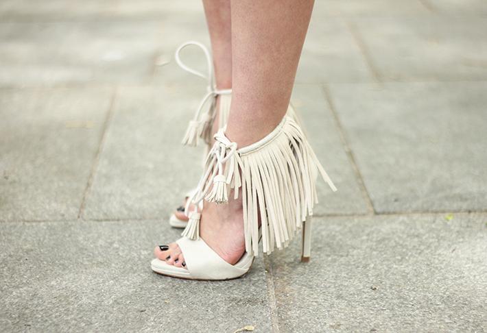 Blue Skirt Striped Top fringed sandals17