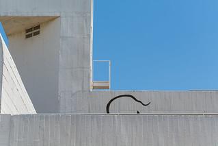 Attēls no Joan Miró. barcelona blue sky white holiday color colors lines horizontal wall museum composition concrete photography photo reflex spain nikon 7100 d joan line photograph miro schweizer barcellona fundacio d7100