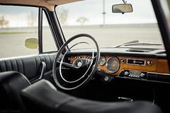 BMW 2000 (interior)